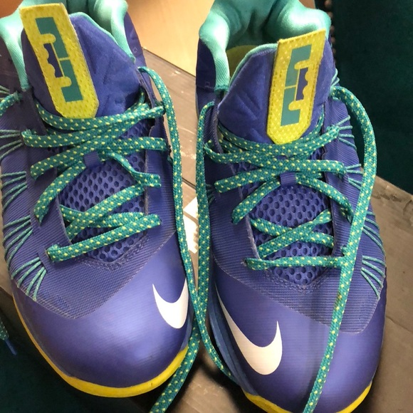 on sale 099fa 540c3 Lebron X Low Sprite Limited Edition Sneakers. M 5bc52140d6dc525ce9d857f8